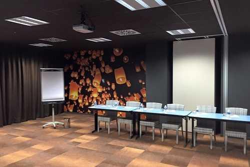 Rénovation et décoration salle de réunion Hôtel - Plérin
